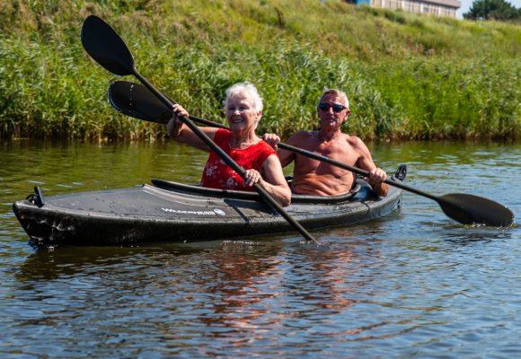 gezellig in de kano met elkaar
